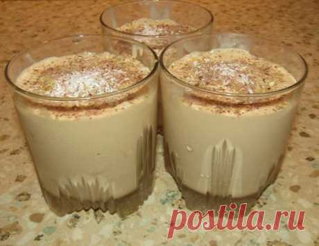 Десерт-мороженое крем брюле Рецепт вкусного десерта-мороженого для любителей сладкого и ценителей всего натурального. Всего лишь из двух ингредиентов вы получите вкусный домашний десерт. Ингредиенты:Для десерта:— сливки – 20% — 400 мл;— молоко сгущенное вареное – 200 грамм; Для украшения:— орехи грецкие – 30 грамм;—...