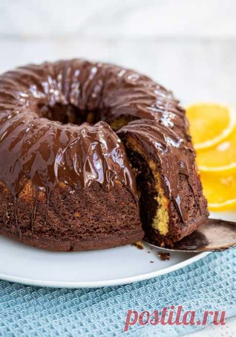 Omas fluffiger Marmorkuchen mit Sahne - mit oder ohne Orange - Eine Prise Lecker Super saftiger, fluffiger und schokoladiger Marmorkuchen. Eine Variante mit Orange ist auch enthalten. Dieser Kuchen ist einfach ein Klassiker!
