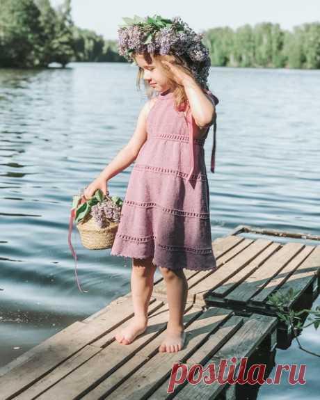 Чудесный сарафан, связанный Анной @suturina_knit из Rowan Cotton CASHMERE!   https://www.pryazha.su/catalog/rowan-cotton-cashmere/.. ⠀ Как часто вяжете детские вещи? ⠀ Нежная пряжа Cotton Cashmere подходят для вязания летних вещей как для взрослый, так и для детей с чувствительной кожей Хлопок и кашемир - беспроигрышное сочетание, смотрится стильно даже в лицевой глади  ⠀ Сегодня последний день, когда можно приобрести эту пряжу со скидкой 20% по промокоду ROWAN6, успейте в...