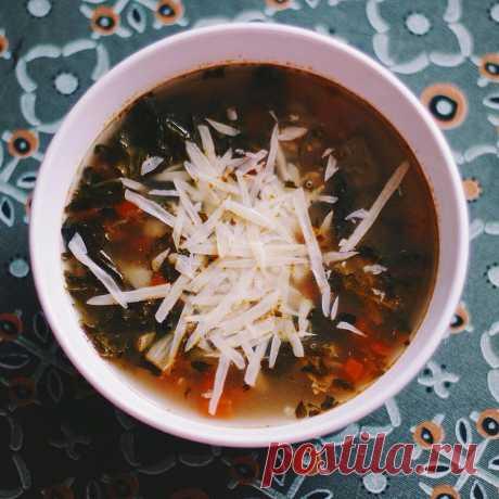 Умбрийский овощной суп Цикл - Интересные рецепты от ВСЁВСЁ.РУ  -------------------- Можно использовать на замену те ингредиенты которые под рукой и в доступности. ИНГРЕДИЕНТЫ НА 12 ПОРЦИЙ Листья базилика - ½ стакана  Оливковое масло extra virgin - ¼ стакана  Петрушка - 6 стеблей  Чеснок - 4 зубчика  Репчатый лук - ½ головки  Картофель - 230 г  ........ Весь рецепт доступен в наших соц страницах С уважением Ваш ВСЁВСЁ.РУ