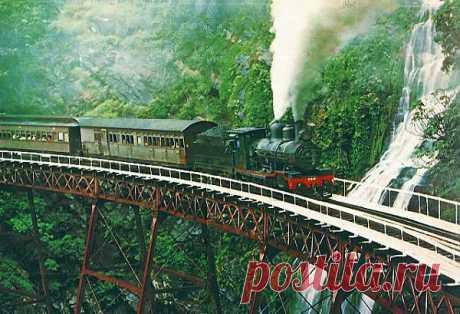 13 железнодорожных мостов на ажурных опорах.