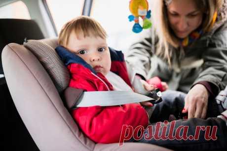 Почему нельзя сажать ребенка в детское кресло в верхней одежде . Милая Я