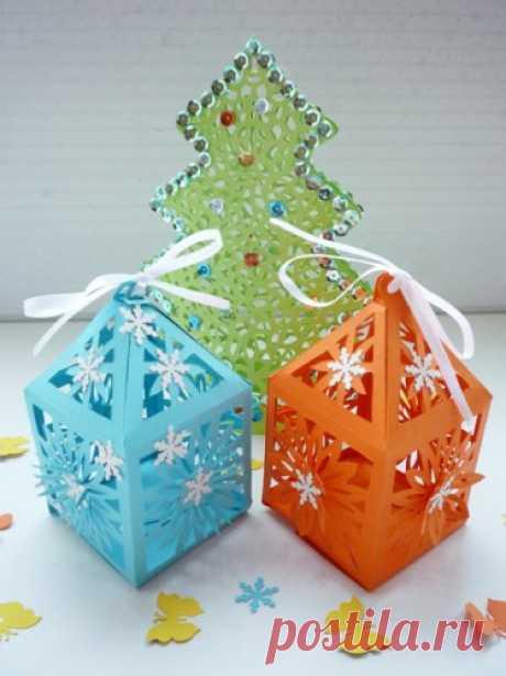 Новогодние фонарики из бумаги. Мастер-класс детской поделки и шаблон для вырезания
