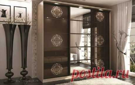 Шкаф-купе шоколадного цвета с зеркалом купить по цене 57 000 руб. в Москве— интернет магазин chudo-magazin.ru