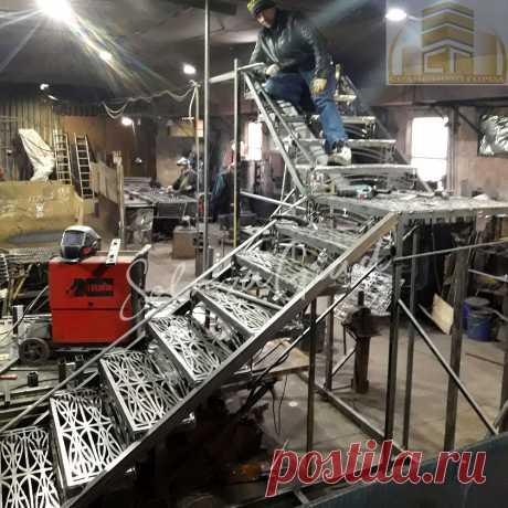 Кованая лестница. Рабочий процесс