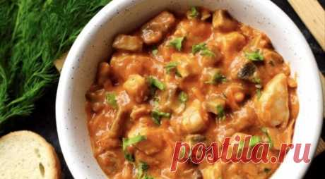 Гуляш из курицы и шампиньонов в томатной подливе | Вкусные рецепты