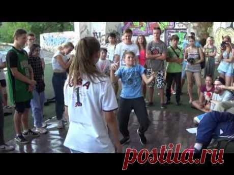 Street dance: Hip-Hop battle b-girl Foxy vs b-boy Kevton. Extreme summer-2016 in Sumy - YouTube