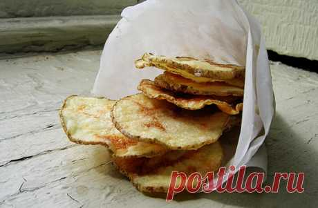 Home-made potato chips from a microwave