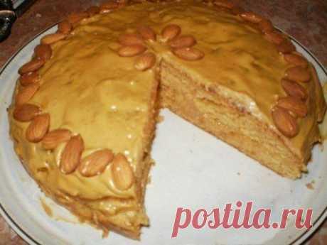 Как приготовить пирог со сгущенкой к чаю - рецепт, ингридиенты и фотографии