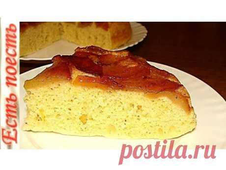 El pastel rápido en la sartén. Friable y tierno.