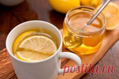 Лечение простудных заболеваний лимоном Все знают о пользе лимонов, об их богатом составе целительных веществ и, прежде всего, о витамине С. По мнению йогов, лимон является универсальным средством для профилактики и лечения заболеваний, для сохранения здоровья...