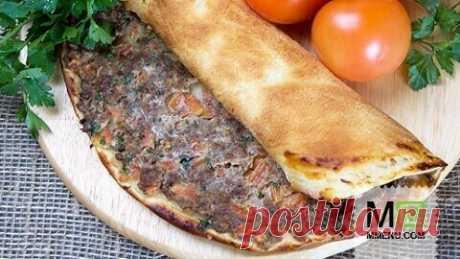 Лахмаджун (восточная пицца)