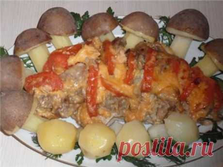 Свинина с сыром и помидорами запечёная в фольге