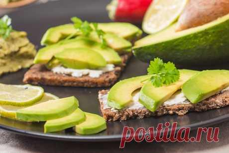Вкуснейшие рецепты бутербродов с авокадо: идеальный завтрак