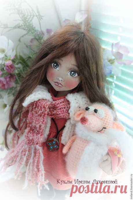 """Купить Текстильная кукла """"Амели"""" - кукла из ткани, кукла в подарок, куклы и игрушки, кукла текстильная Просматривайте этот и другие пины на доске тряпичные куклы пользователя Ирина Минина. Теги"""