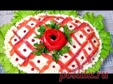 САЛАТ-картошка , яйца ,помидор,плавленые сырки,(любая красная рыба),листья салата зеленый лук