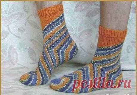 Необычные носки связанные начиная с пятки .