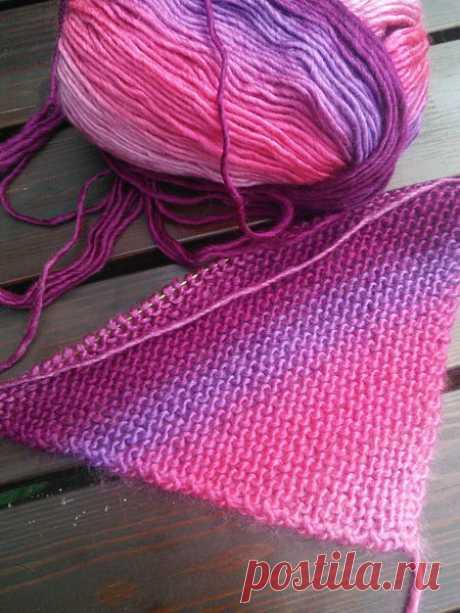 Нюансы вязания платочной вязкой от угла