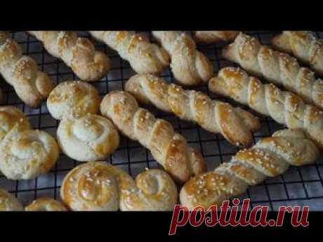 Вкусно и быстро готовим греческое пасхальное печенье кулуракия. Рецепт 125 гр сливочное масло 1 желток 100 гр сахар 40 мл молоко 1 ст.л. сок апельсина 1/2 ч....