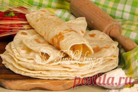 Тортилья пшеничная Мексиканская лепешка из пшеничной муки, рецептом которой я поделюсь сегодня – это не только простой, но очень вкусный бездрожжевой хлеб.