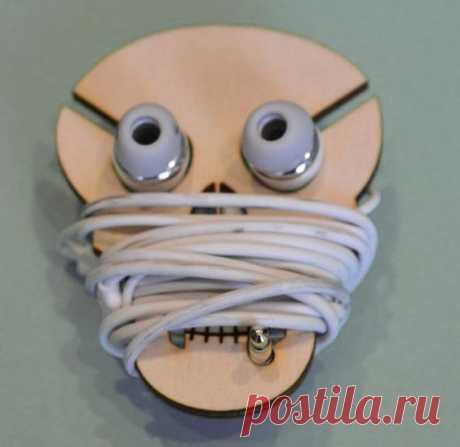 Глазастые хранители наушников (подборка)