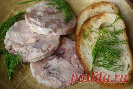 Обожаю эту вкусную и недорогую альтернативу покупной колбасе: Между зельцем и холодцом.