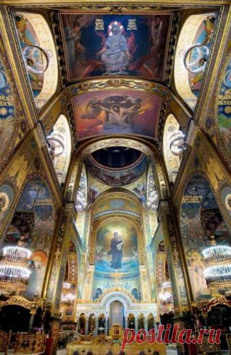 The Cathedral of St Vladimir (St. Volodymyr's Cathedral) interior, Kiev…