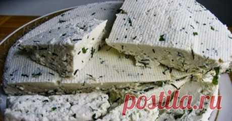 Домашний сыр с зеленым луком: сможет приготовить каждый Вкусныйдомашний сырможет приготовить каждый, даже те, кто делают это впервые. Такой продукт не сравнить с покупным. Для изготовления домашнего сыра используют молоко, полезные свойства которого переходят всостав сырав концентрированном виде. Так приятно намазать ломтик свежего душистого батона домашним сыром, приготовленным своими руками. ... https://see-receipt.ru/2020/02/03/домашний-сы