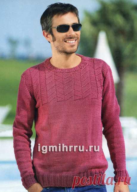 Мужской легкий пуловер с рельефной кокеткой. Вязание спицами со схемами и описанием