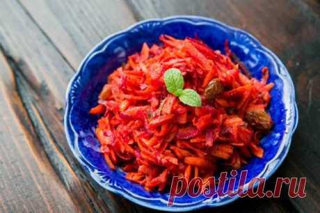👌 Простой салат из свеклы и моркови по-мароккански, рецепты с фото Вкусный рецепт Простой салат из свеклы и моркови по-мароккански, пошаговый, с фото и отзывами 👍 Рецепты салатов, Быстрые рецепты, Рецепты из свеклы, Блюда из овощей, Быстрые закуски, Праздничные салаты и закуски