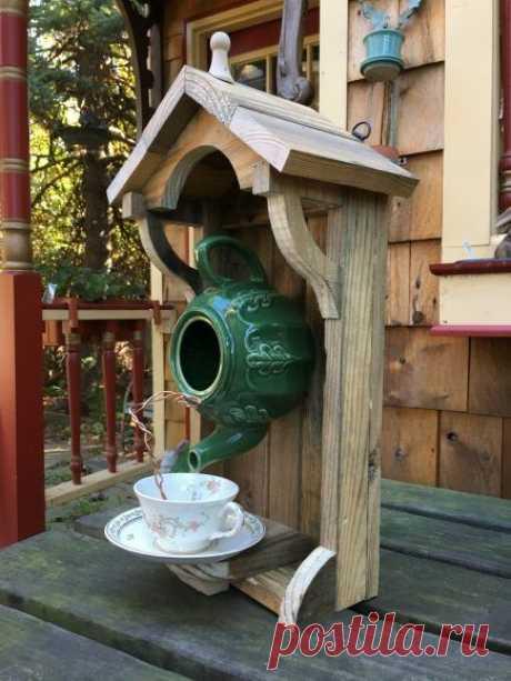 Название: Поделки из старых чайников для сада: подборка фото | Мусор в саду, Старые  чайники, Садовые идеи Найдено в Google. Источник: pinterest.ru
