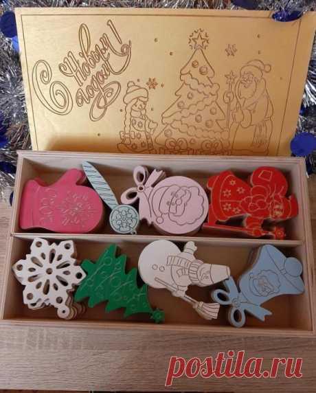 Набор деревянных новогодних игрушек в коробке – купить, цена 4500 руб., дата размещения: 01.12.2019 - Игрушки и игры