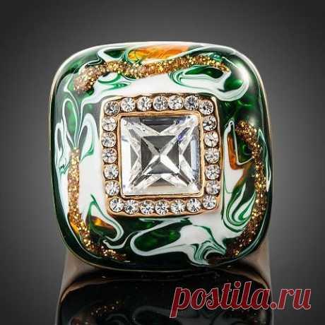 Кольцо с эмалью и кристаллами Сваровски (Swarowski)   новинки! все таки закажу)) вчера мерила кольцо такое же, очень элегантно смотрится!