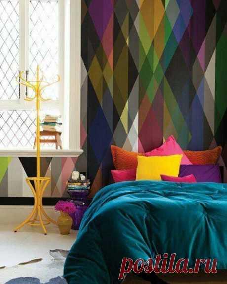 Цветные стены в маленьких квартирах: как сделать все правильно?