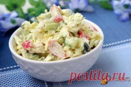 Летний салат с крабовыми палочками Простой и быстрый в приготовлении, вкусный летний салат с крабовыми палочками можно приготовить к обеду или ужину, так же он будет вполне уместен для домашнего праздничного застолья.