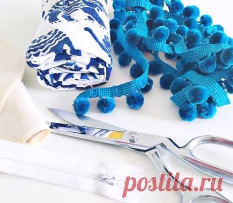 Как сшить подушку-валик Подушка-валик — декоративная подушка, которая гармонично впишется в интерьер.Ее можно использовать как украшение на диване или кровати, либо вместо подлокотников, если они отсутствуют у мебели.Вам по...