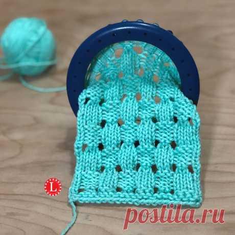 Loom Knit Stitch - Acorn - Alaskacrochet.com