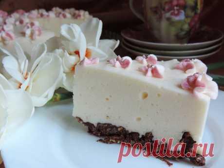 Как приготовить нежный торт со сгущенкой без выпечки - рецепт, ингредиенты и фотографии