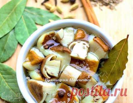 Marinated white mushrooms | Official site of culinary recipes of Yulia Vysotskaya