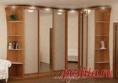 Угловой зеркальный шкаф в спальню по своим размерам; фото, идеи, замер, материалы, доставка