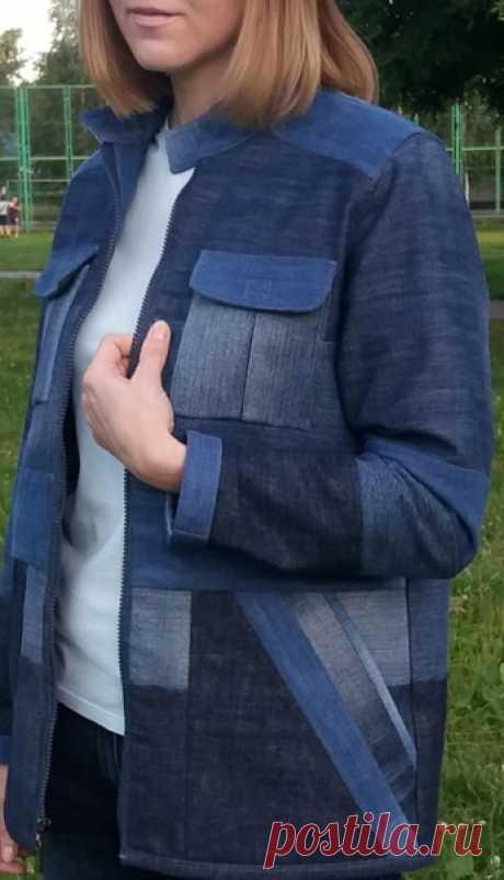 Вот такую куртку я сшила из старых джинсов.