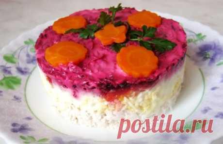 Слоенный салат с курицей и сыром | Вкусные рецепты