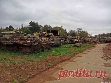 Кладбище бронетехники (63 фото) | Чёрт побери