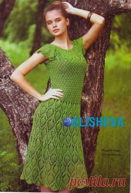Летнее платье с узором «Ананасы» вязаное крючком