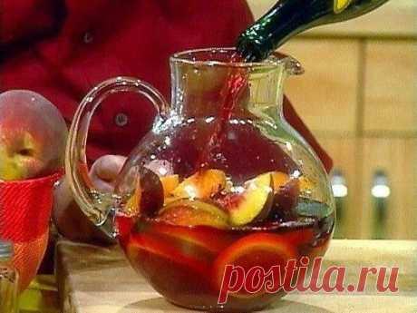 Сангрия — очень вкусный испанский слабоалкогольный напиток
