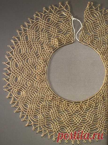 Золотое и голубое колье Колье, бусы, ожерелья из бисера – Бисерок