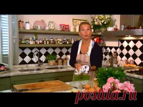 Омлет с баклажанами, помидорами и луком