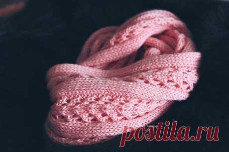 Красивый ажурный снуд вязаный спицами. Простая схема вязания шарфа снуда. |