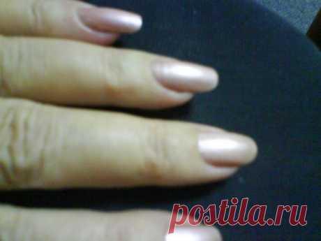 Требуется: Желание, терпение, фантазия и лак для ногтей :)