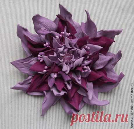 Делаем яркий махровый цветок из кожи